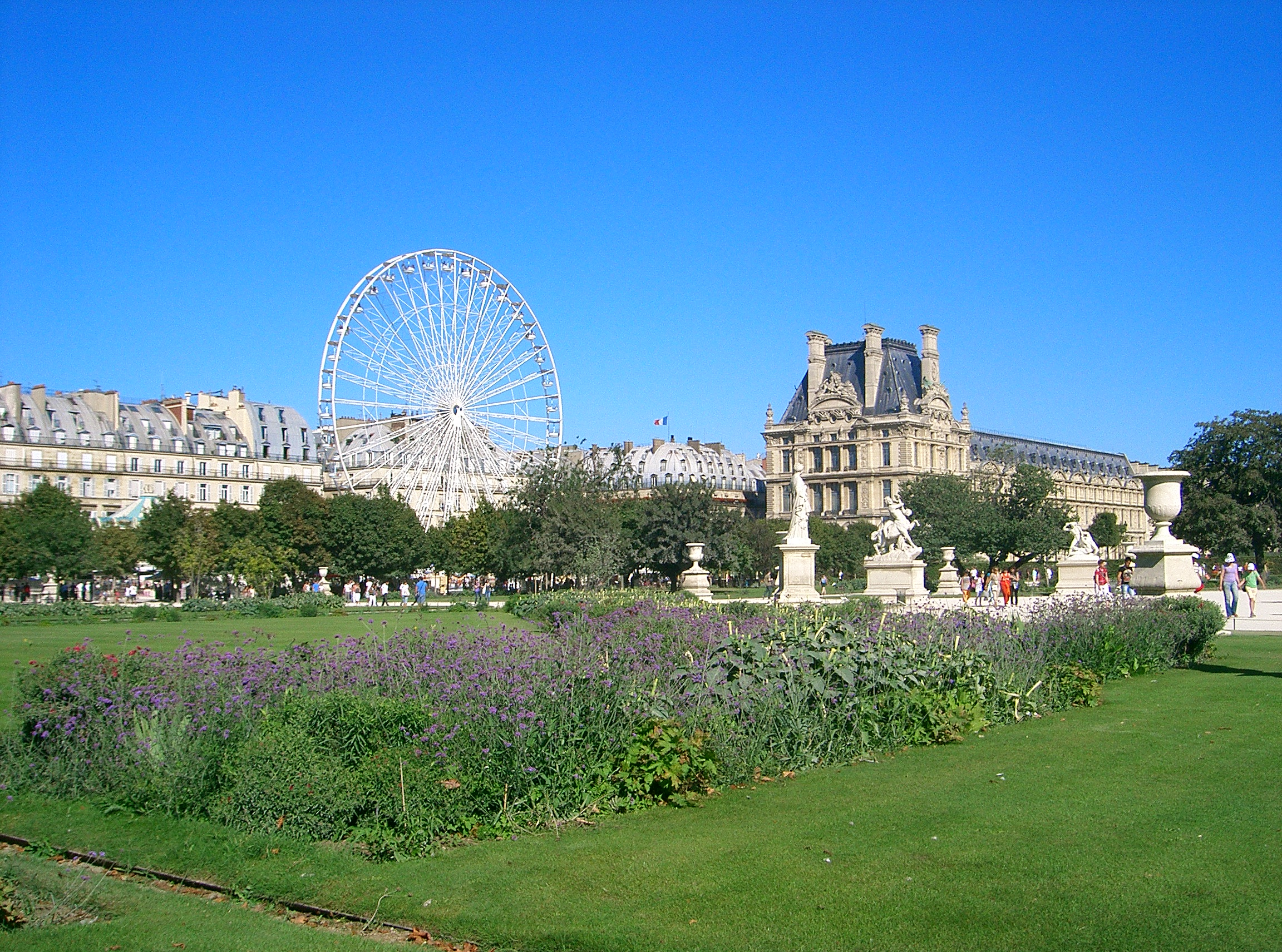 se rendre au jardin des tuileries cars de france