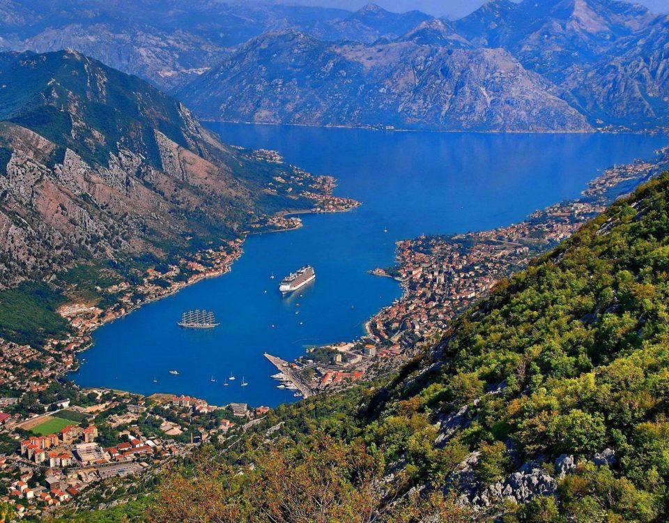 location bus montenegro