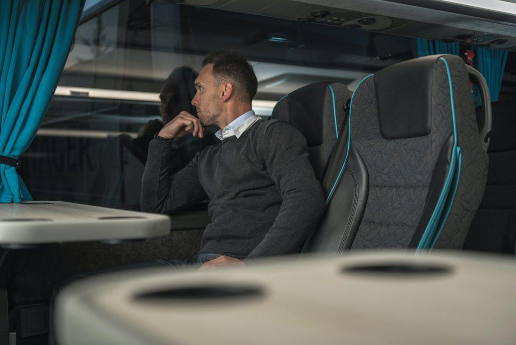 bus confortable